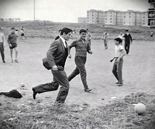 Pasolini e il calcio. Foto di Garolla