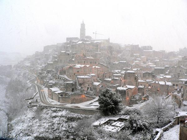 Matera sotto la neve. Foto di Claudio Vino