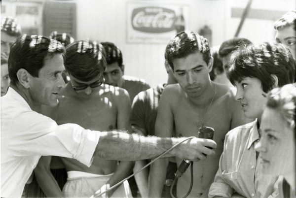 """""""Comizi d'amore"""" (1964). Foto di Mario Dondero"""