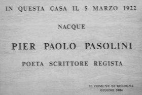 Targa sulla casa di Bologna, in via Nosadella, in cui nacque Pasolini