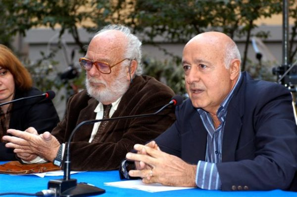 Alfredo Bini, a sinistra, al tavolo dei relatori