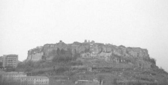 Il profilo di Orte deturpato dai grattacieli