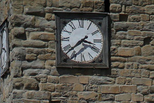 L'orologio del campanile di Amatrice fermato dal sisma