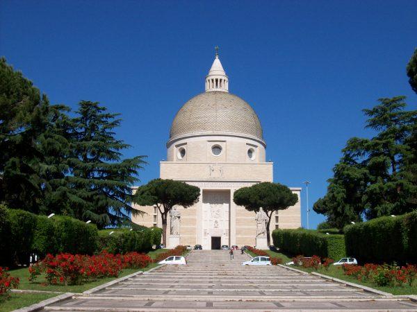 Roma Eur. Basilica santi Pietro e Paolo