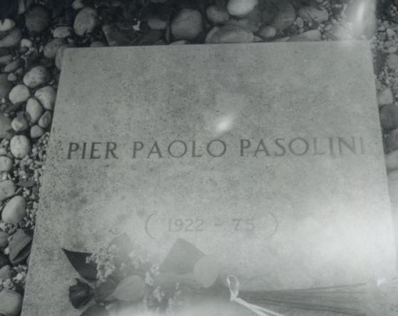 La tomba di Pasolini. Foto di Patti Smith