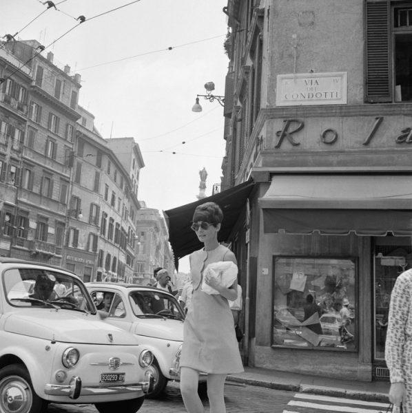 Audrey Hepburn a Roma in Piazza di Spagna