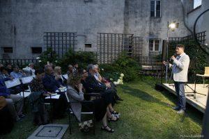 Marco Salvadori introduce la serata